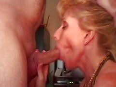 MILF & Young Fan Suck & Fuck With Pornhub Member @specialagentmoody