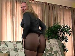 Mom's new pantyhose get her juices flowing