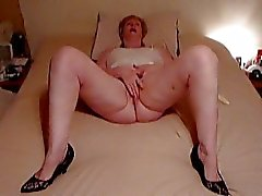 Chubby Granny playing with Pussy