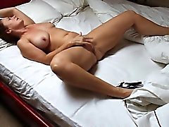 Bosom mumsy Holli from 1fuckdatecom